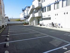 駐車場(無料)、駐輪場